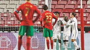 """França """"desforra-se"""" e elimina Portugal em casa"""