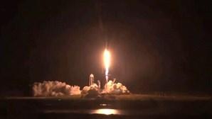 O momento do lançamento do foguetão da SpaceX