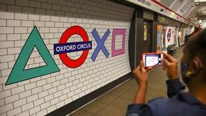 Logótipo do metro de Londres muda de forma para celebrar lançamento da nova Playstation 5