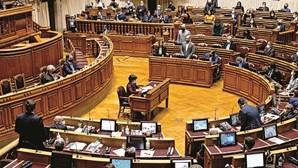 Aprovado Orçamento de Estado para 2021 na votação global, com PS isolado no voto a favor