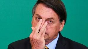 Bolsonaro vai exigir termo de responsabilidade a quem queira vacinar-se contra a Covid-19 no Brasil