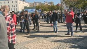 Centenas de pessoas protestam pela cultura e restauração em vários pontos do País. Veja o vídeo