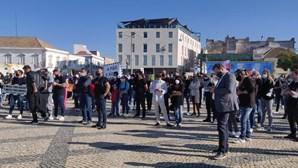 Empresários da restauração e da hotelaria pedem apoios durante manifestação em Faro