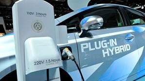 """Carros híbridos são """"desastre ambiental"""" com emissões de dióxido de carbono acima do legalmente declarado"""