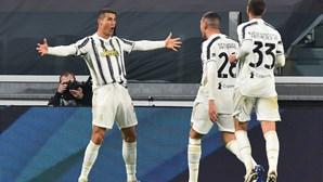 Cristiano Ronaldo fica na Juventus até 2022
