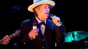 Manuscritos de Bob Dylan rendem 400 mil euros