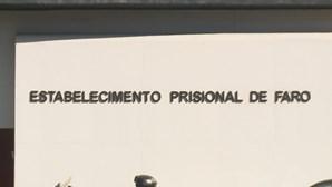 62 reclusos e quatro guardas infetados na prisão de Faro