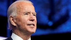 Joe Biden toma posse hoje numa Washington deserta e fortemente vigiada