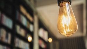 Impostos e rendas são 46% da fatura da luz
