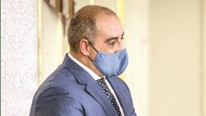 Secretário de Estado fura isolamento e leva Covid-19 para casa