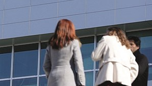 Empresas estrangeiras pagam mais 398 euros do que as nacionais em Portugal