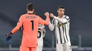 Ronaldo e Bruno Fernandes marcam, 'Juve' e 'Barça' nos oitavos de final