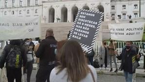 """""""Não queremos apoios, queremos é trabalhar"""": Empresários da restauração em protesto"""