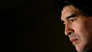 Confrontos no velório de Maradona abrem 'guerra' entre governo central e local