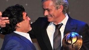 """Mourinho recorda Maradona e diz que vai """"sentir falta do amigo"""""""