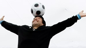 Diego Armando Maradona dá novo nome ao estádio de Nápoles