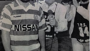 """""""Fiquei de boca aberta"""": Carlos Manuel recorda momento em que trocou de camisola com Maradona"""