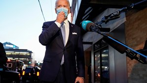 Joe Biden vai pedir aos norte-americanos que usem máscara contra a Covid-19 por 100 dias
