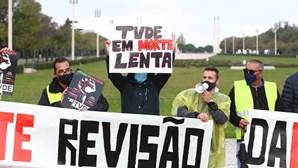"""""""TVDE em morte lenta"""": Profissionais da Uber manifestam-se em Lisboa"""