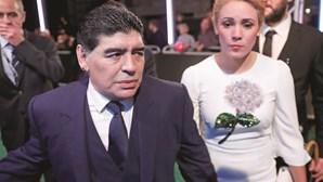 Ex-namorada de Diego Maradona impedida de aceder ao velório