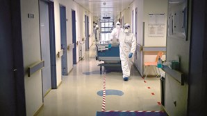 Um morto e 377 infetados por coronavírus nas últimas 24 horas em Portugal