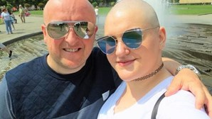 Finge ter cancro terminal para amigos lhe pagarem casamento de sonho