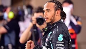 Lewis Hamilton vence Grande Prémio do Bahrain de Fórmula 1