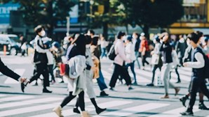 Vírus já estava em Portugal em fevereiro de 2020 e Itália e Reino Unido foram determinantes na transmissão, diz estudo