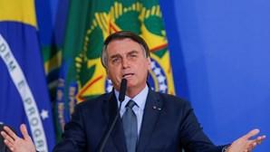 """Bolsonaro diz que tem """"informações"""" sobre """"existência de fraude eleitoral"""" nos EUA"""