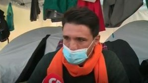 """""""Estou a passar fome"""": Empresários em lágrimas pedem ajuda ao Governo após 4 dias acampados em frente à Assembleia"""