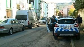 Covid-19 solta cadastrado que tenta matar mulher em Braga