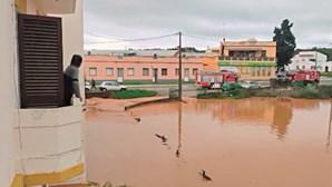Chuva forte provoca estragos no Algarve