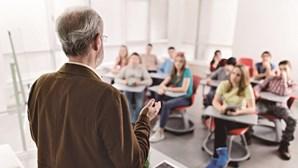 90% dos professores inseguros nas escolas devido à Covid-19
