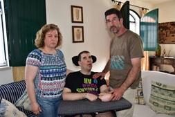 Família espera e desespera pela compensação prometida a Gonçalo e que tarda em chegar