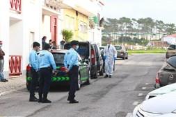 Pai e filha encontrados mortos dentro de casa em Torres Vedras