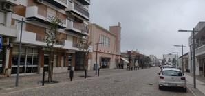 Comerciantes de São Brás de Alportel foram obrigados a fechar portas mais cedo no único concelho algarvio com recolher obrigatório