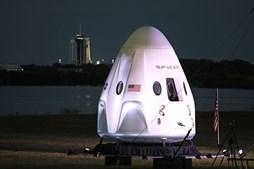 Foguetão Space X a caminho da estação espacial com quatro astronautas