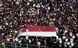 Milhares nas ruas do Paquistão para homenagear fundador de partido islâmico radical