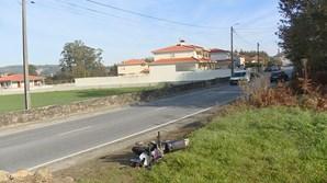 Condutora em contramão colide contra mota e provoca uma vítima mortal