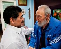 Ex-líder cubano Fidel Castro encontra o ex-jogador de futebol argentino Diego Armando Maradona em Havana