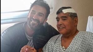 Maradona após ser operado à cabeça