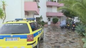 Mulher morta à facada dentro de apartamento em Portimão