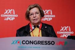 A dirigente e antiga eurodeputada, Ilda Figueiredo,  intervém durante o segundo dia do XXI Congresso do PCP no Pavilhão Paz e Amizade, em Loures