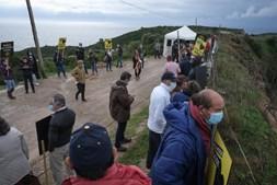Manifestação e marcha lenta contra aterro no Zambujal, Sesimbra
