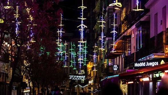 'Plano de Natal' espanhol limita jantares a seis pessoas e quer recolher até à 01h00