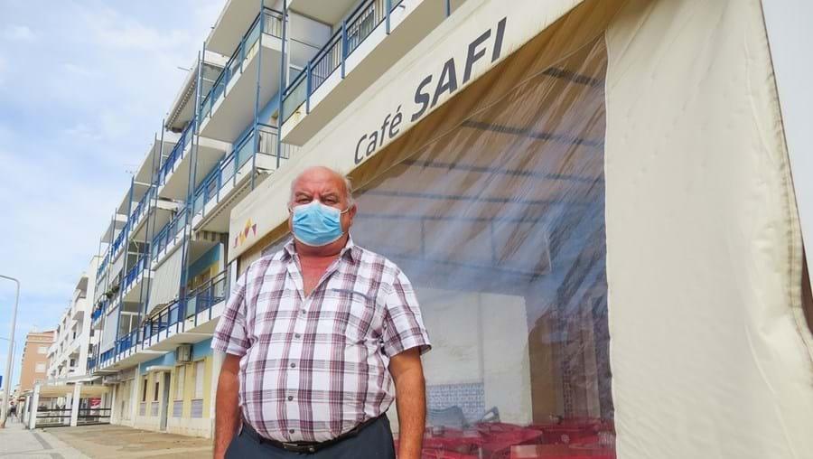Francisco Brito do café Safi prestou a primeira assistência à mulher ferida, logo após o assalto, e alertou a PSP