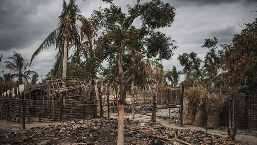 Radicais islâmicos decapitam mais de 50 pessoas em Moçambique