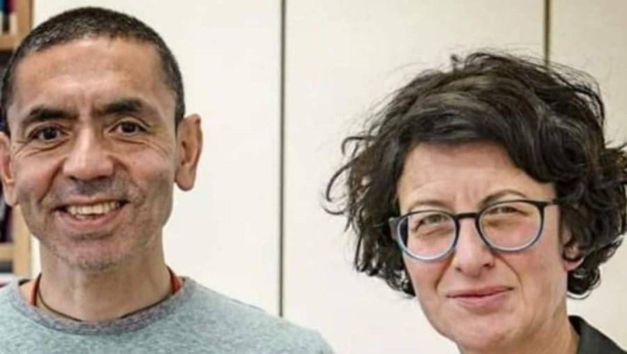 Ugur Sahi e a mulher Oezlem Tuereci