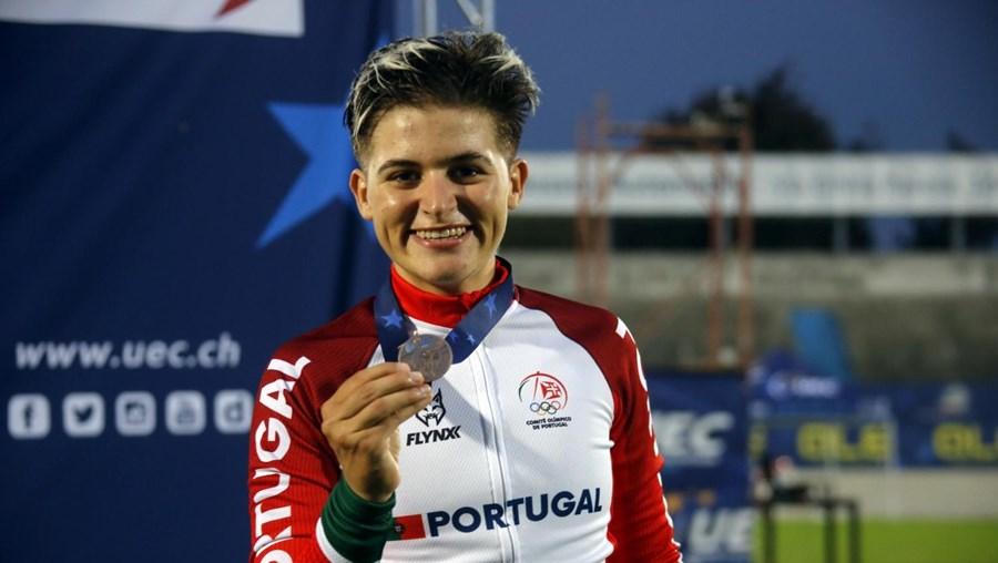 Maria Martins de bronze na prova de scratch do Campeonato da Europa de ciclismo de pista, em Itália