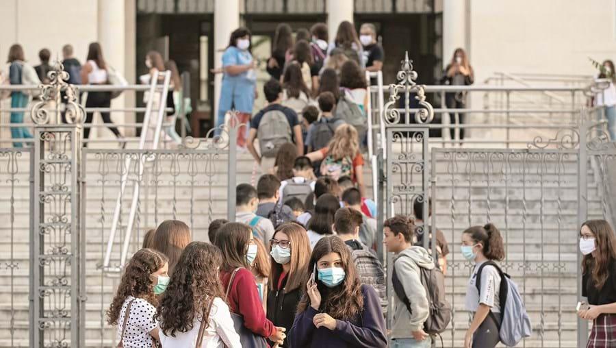 Executivo garantiu ontem que existem só 68 surtos ativos em todo o ensino público e privado, desde as creches ao Superior